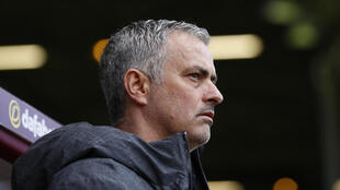 José Mourinho (entraîneur de Manchester United).