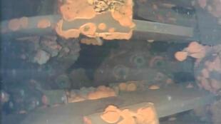 Les photos prises par le petit robot sous-marin montrent de grandes quantités de dépôts à l'intérieur du réacteur n°3 de la centrale de Fukushima.