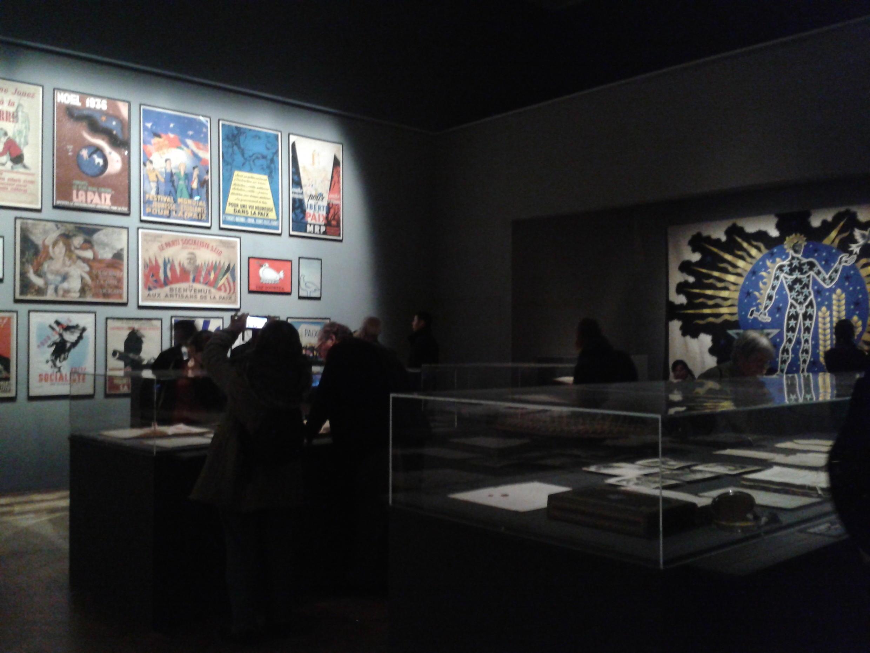 """Không gian triển lãm """"Nghệ thuật Hòa Bình"""" tại Petit Palais, Paris."""