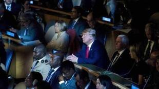 """دونالد ترامپ، زئیس جمهوری آمریکا، در """"نشست اقلیمی ٢٠۱٩"""" سازمان ملل، فقط حضوری کوتاه و پیشبینی نشده و بدون سخنرانی داشت. دوشنبه اول مهر/ ٢٣ سپتامبر ٢٠۱٩"""
