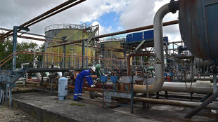 Des installations pétrolières.