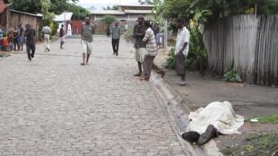 Des cadavres jonchaient les rues de Bujumbura au matin du 12 décembre 2015.