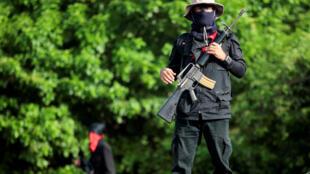 Membre des groupes paramilitaires qui soutiennent le président Ortega, Masaya, le 13 juillet 2018.
