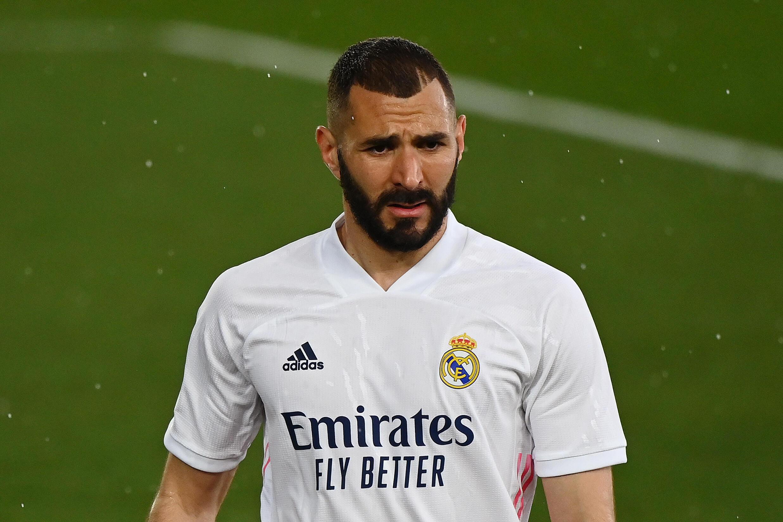 Kilabu ya Real Madrid imetangaz kwamba mshambuliaji wake Karim Benzema amepatikana na virusi vya Corona.