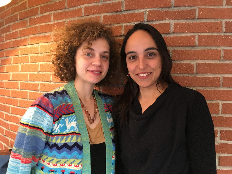 """A atriz Marina Provenzano, à esquerda, e a diretora Marina Meliande, à direita, falam sobre """"Mormaço""""."""