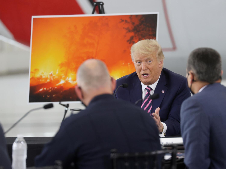 Le président américain lors d'une réunion à propos des violents incendies en Californie, le 14 septembre 2020.