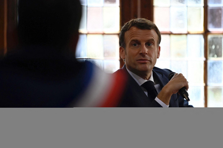 Le président français Emmanuel Macron s'est fait giflé lors d'un déplacement dans le Tain, en France métropolitaine.