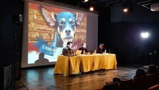 """Foro luego de la presentación del documental """"El perro sin pelo del Perú con pelo"""" en el Instituto Cervantes. París, 8 de febrero de 2019."""