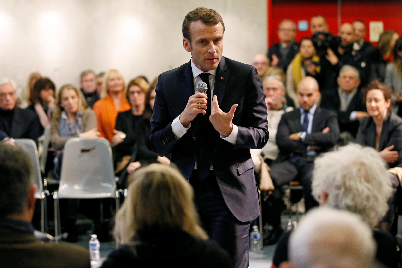 Le président français Emmanuel Macron lors d'une rencontre avec des résidents de la Drôme dans le cadre du «Grand débat national», à Bourg-de-Péage, près de Valence, le 24 janvier 2019.