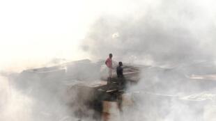 Le grand marché de Madina, à Conakry, ravagé par un incendie dans la nuit de samedi à dimanche 18 mars 2018.