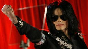 Ông hoàng nhạc Pop Michael Jackson tại Luân Đôn, ngày 05/03/2009.