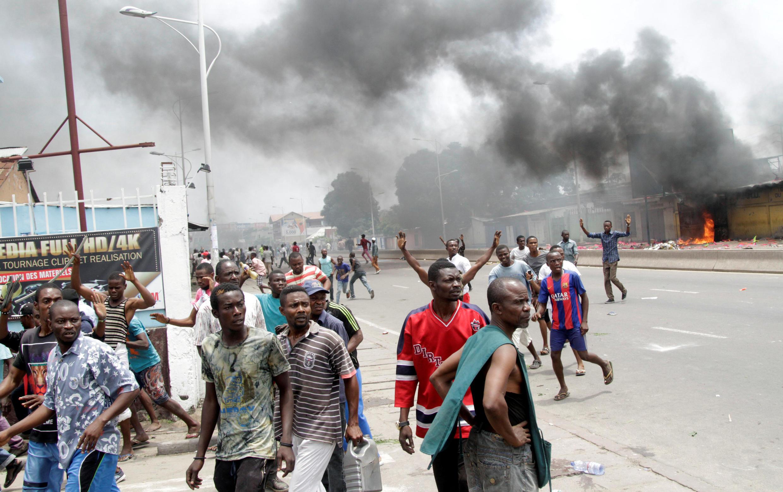 Confrontos em Kinshasa.