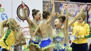 Dayane Amaral, Morgana Gmach, Emanuelle Lima, Jessica Maier, Ana Paula Ribeiro e Beatriz Pomini conquistaram o pentacampeonato na ginástica rítmica para o Brasil.
