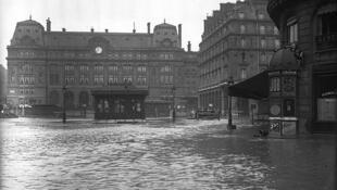 A enchente de 1910 foi a pior em Paris nos últimos 100 anos
