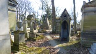 拉雪茲神父公墓內一景。