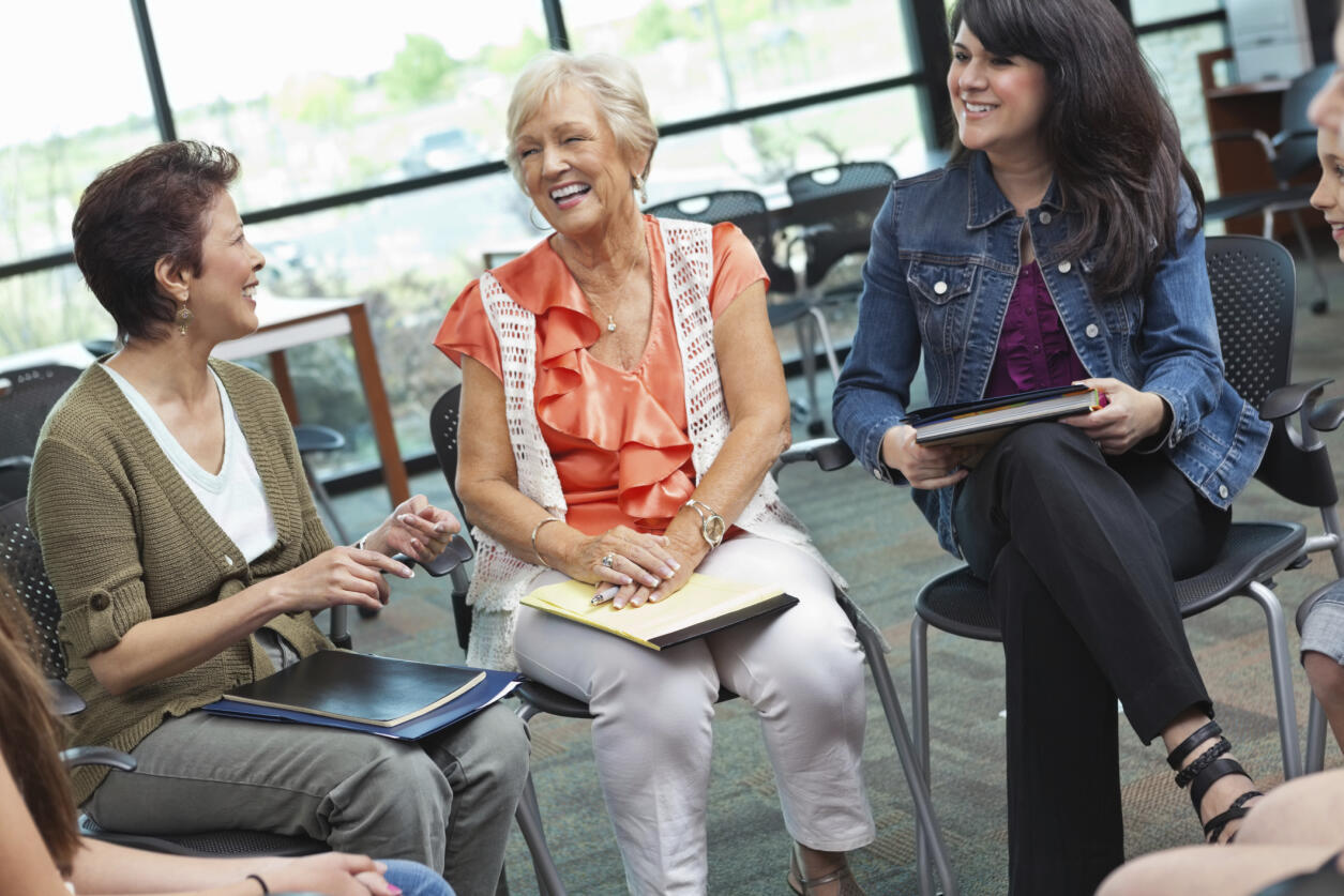 Le dialogue intergénérationel permet de s'ouvrir sur d'autres cultures et d'en apprendre plus sur nos aînés.