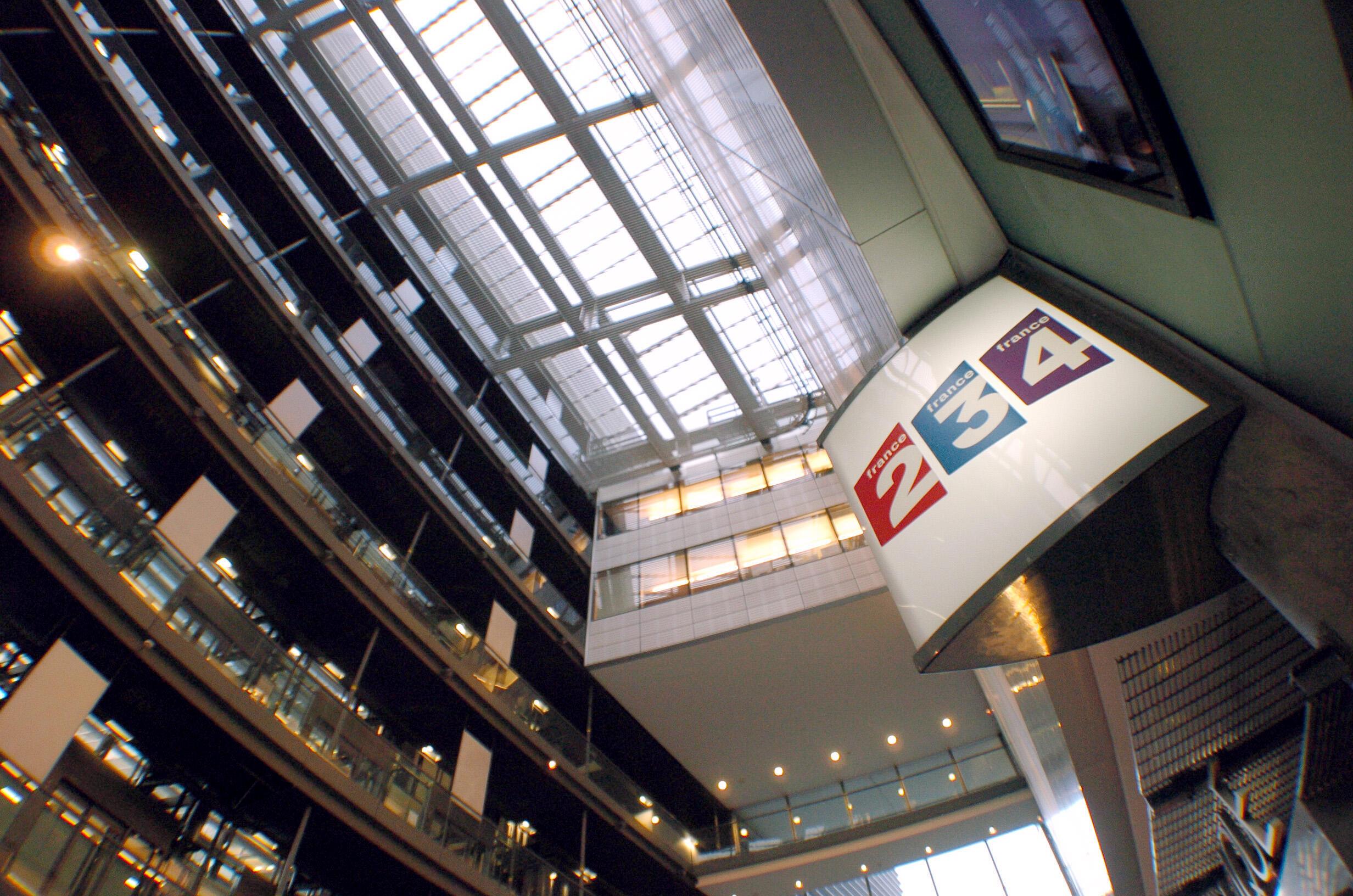 Selon le groupe public, Newen, troisième producteur français, est le premier fournisseur de programmes de France Télévisions et les deux tiers de son chiffre d'affaires sont réalisés avec le service public.
