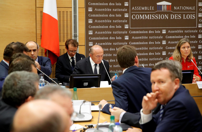 Bộ trưởng Nội Vụ Gérard Collomb điều trần trước một ủy ban điều tra của Quốc Hội Pháp, trong vụ Benalla, ngày 23/07/2018.