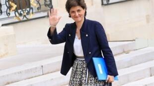 Sylvie Goulard renonce à être ministre des Armées à cause de l'enquête sur le MoDem.