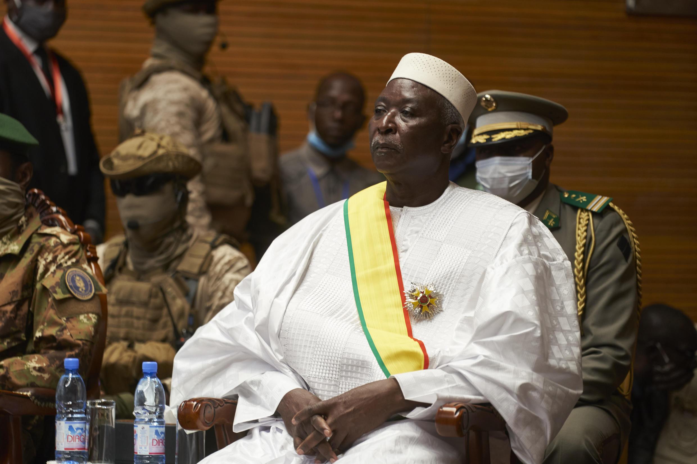 O Presidente de transição do Mali, Bah N'daw, chegou esta tarde a Bissau para uma visita de trabalho de dois dias.