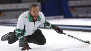 Un des représentants de l'équipe de curling du Nigeria, Harold Woods.