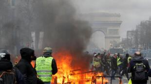 Ce samedi 16 mars, les Champs-Elysées ont été à nouveau le théâtre de nouvelles violences, sur fond d'acte XVIII des «gilets jaunes».