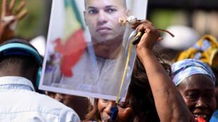En se présentant à la présidentielle Madické Niang a brisé la ligne officielle du parti : Karim Wade ou rien.