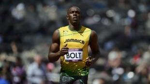 Le Jamaïcain Usain Bolt remporte la victoire à l'épreuve du 100m, le 5 août 2012, aux Jeux Olympiques de Londres.