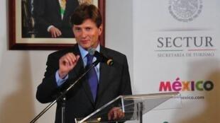 Lic. Enrique de la Madrid Cordero, Secretario de Turismo de México.