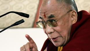 Le Dalaï-Lama lors d'une conférence de presse au Dharamsala, le 20 novembre 2008. .