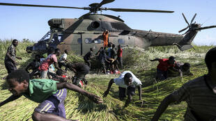 South African helicopter rescues Cyclone Idai victims in Mozambique