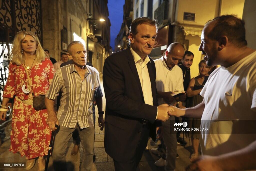 Крайне правый политик Луи Алио после победы на выборах мэра Перпиньяна, 29 июня 2020 года.