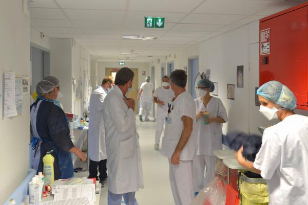 No hospital de Mulhouse, no leste da França, uma das regiões mais atingidas pela primeira onda da Covid-19.