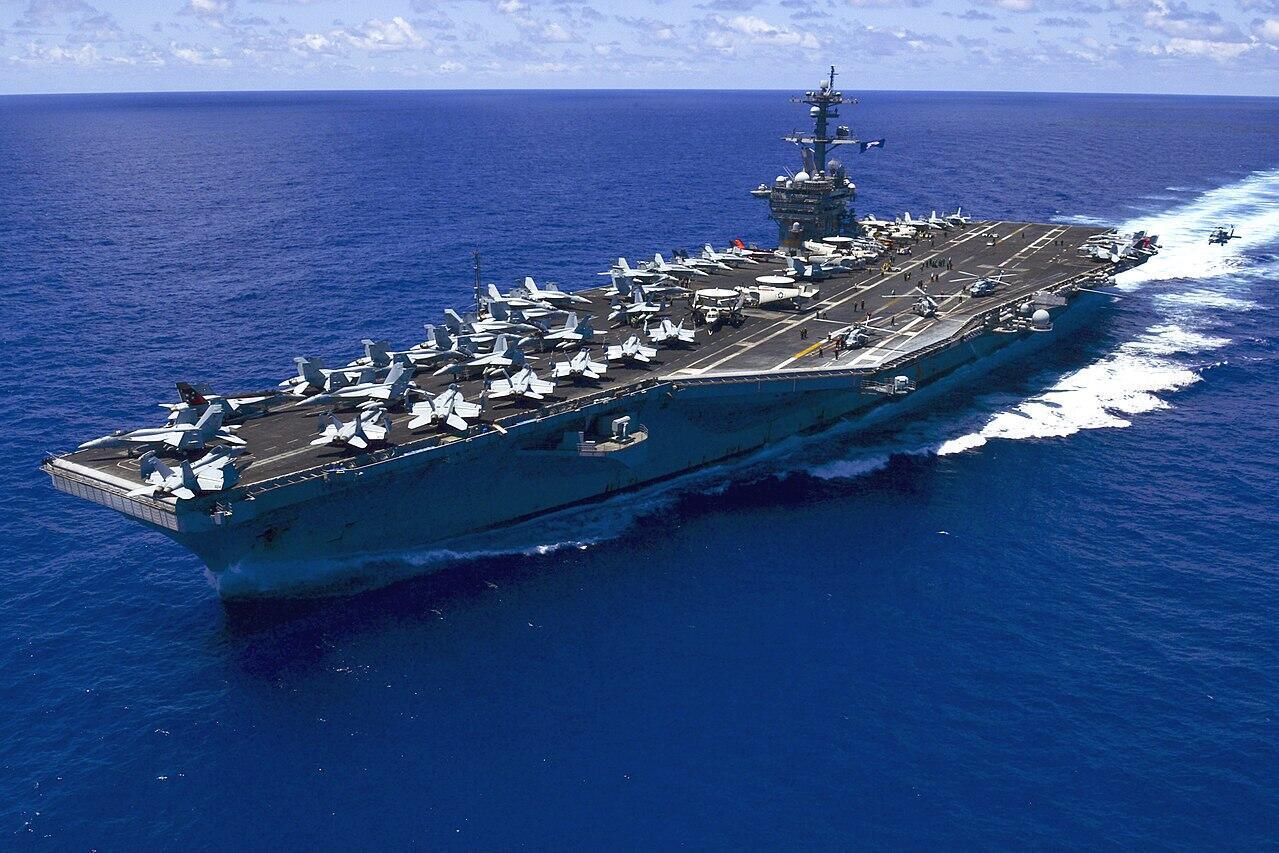 Tầu sân bay USS Carl Vinson, trên Thái Bình Dương. Ảnh chụp ngày 31/05/2015.