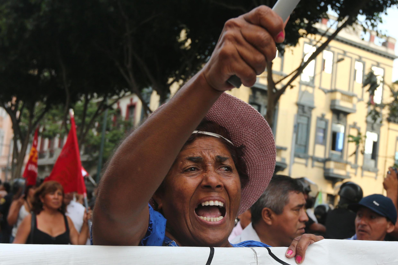 Manifestation à Lima, le 16 février 2017, contre le scandale Odebrecht. Un mandat international a été lancé contre l'ancien président péruvien, Alejandro Toledo, réfugié aux Etats-Unis.