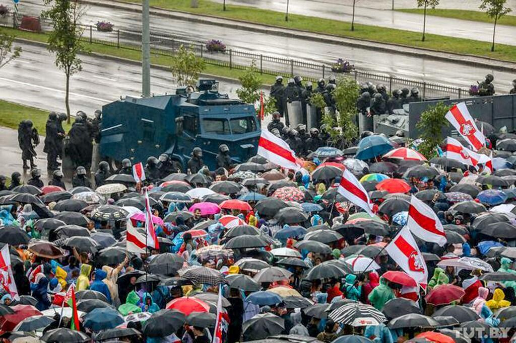 Силовики оцепили улицы, ведущие к резиденции Александра Лукашенко