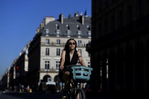 Phố Rivoli, trung tâm thủ đô Paris của Pháp, đã trở thành môt trong vài ba tuyến bố có đông người đi xe đạp nhất châu Âu.