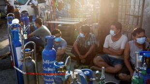 2021-07-14T035922Z_399988286_RC23KO9SX7PS_RTRMADP_3_HEALTH-CORONAVIRUS-MYANMAR