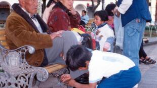 Niño lustrabotas en Bolivia.