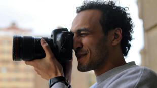 Mahmoud Abu Zeid, dit «Shawkan», goûte à nouveau à la liberté ce lundi 4 mars 2019 à son domicile au Caire.