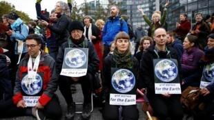 Ativistas participam do protesto do Extinction Rebellion em Londres, Grã-Bretanha, 7 de outubro de 2019.