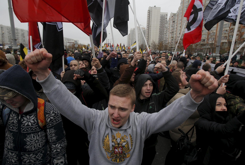 Националисты на «Русском марше» в Москве, 4 ноября 2015.