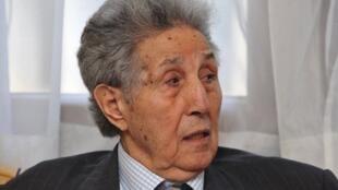 L'ex-président algérien Ahmed Ben Bella, à Alger, le 8 décembre 2010.
