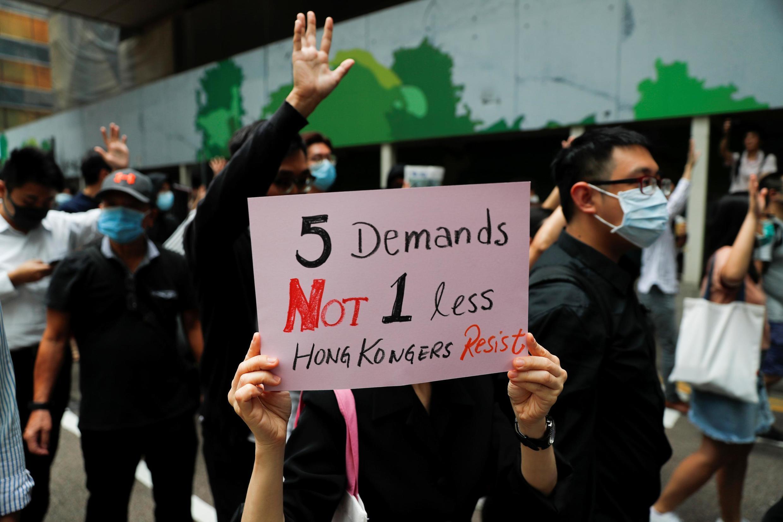 Les revendications des manifestants se sont étendues.