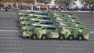网传中国军队东风17导弹