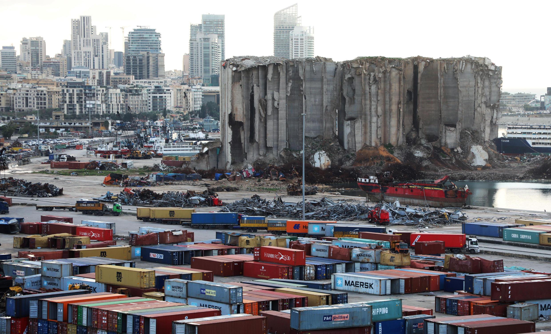 Image d'archive RFI : Les silos à grains sur le site de l'explosion du 4 août au port de Beyrouth, le 18 février 2021.
