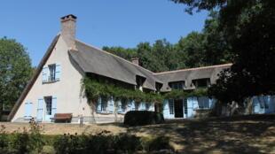 Jean Monnet a habité sa maison d'Houjarray (Yvelines) de 1945 jusqu'à sa mort en 1979.