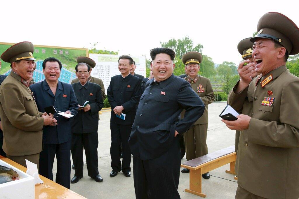Photo non datée du numéro 1 nord-coréen Kim Jong-un, rendue publique par Pyongyang le 15 mai 2015.