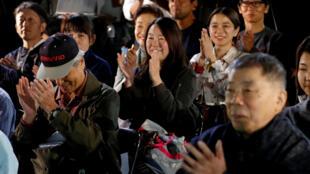 Fan người Nhật của nhà văn Haruki Murakami cũng vui mừng khi nghe tin Kazuo Ishiguro  được giải Nobel Văn học ngày 5/10/2017