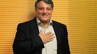 با رأیگیری نهایی منتخبان شورای پنجم، محسن هاشمی رفسنجانی منتخب اول مردم تهران، به مدت یک سال به عنوان رئیس پنجمین دوره شورای شهر تهران، انتخاب شد.